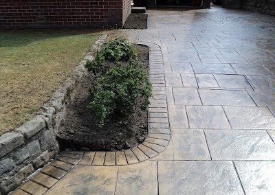 driveway-feature-bush-border
