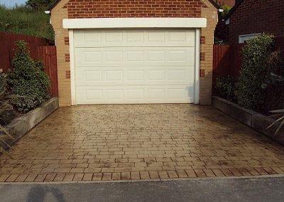 driveway-garage-home-concrete