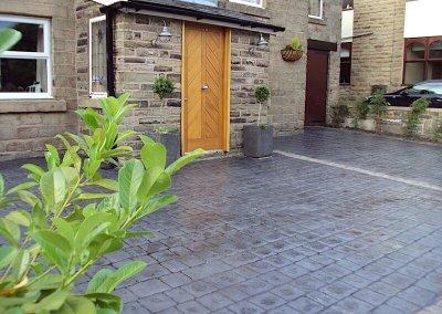 driveway-cottage-concrete