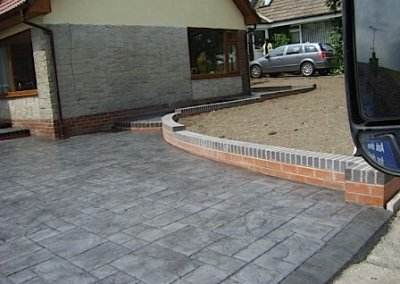 driveways-imprinted-coloured-concrete-grey