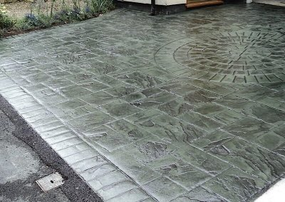 driveways-pattern-imprinted-concrete-green