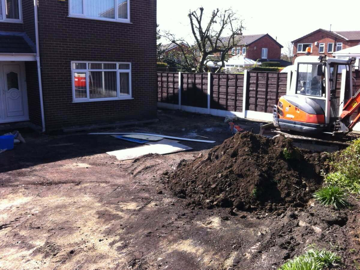 Excavating the Front Brandlesholme