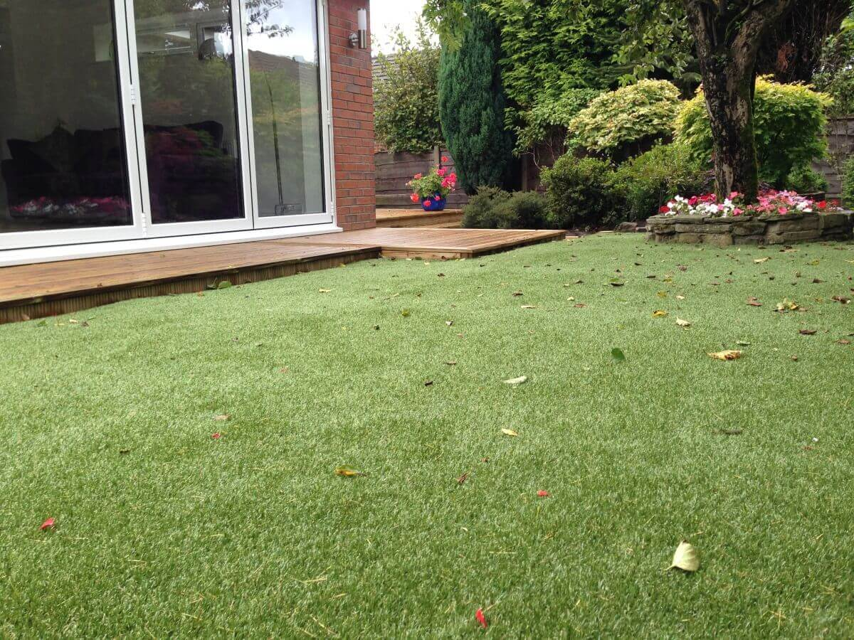 Turf, Tree and Decking Hawkshaw