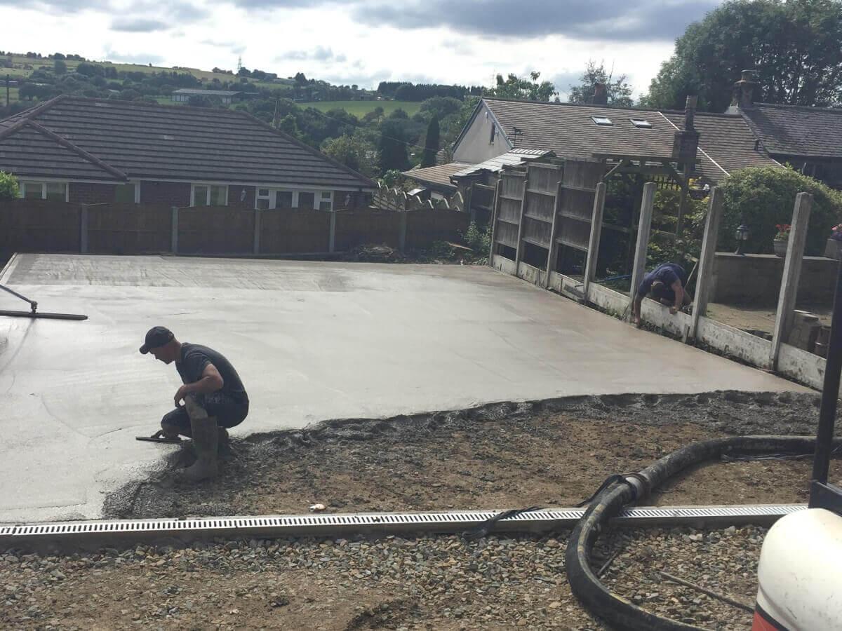 Plain Concrete Pouring Hawkshaw