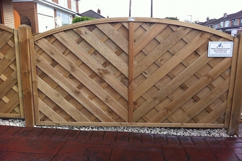 bow top fence panel