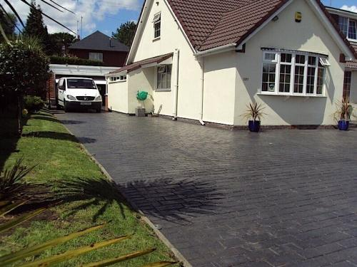 pattern-imprinted-concrete-large-area